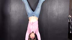 Vicktoria wets her jeans while upside down