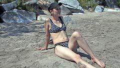 Mela wetting her bikini
