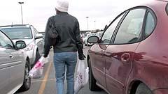 Mela cannot find her car
